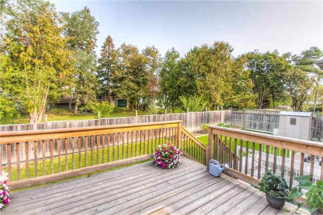 Detached at 66 Canterbury Crt, Richmond Hill, Ontario. Image 9