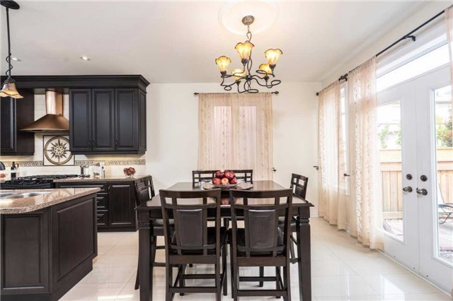 Detached at 30 Selvapiano Cres, Vaughan, Ontario. Image 4
