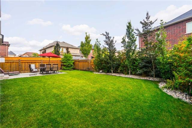Detached at 30 Selvapiano Cres, Vaughan, Ontario. Image 9