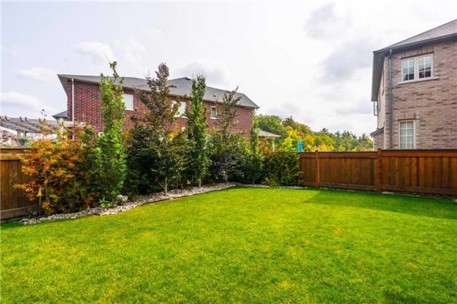 Detached at 30 Selvapiano Cres, Vaughan, Ontario. Image 10