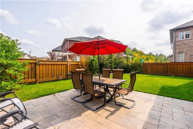 Detached at 30 Selvapiano Cres, Vaughan, Ontario. Image 11
