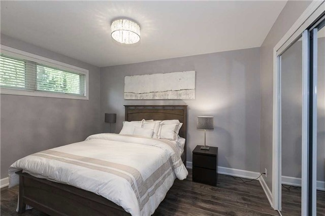 Semi-detached at 302 Demaine Cres, Richmond Hill, Ontario. Image 15