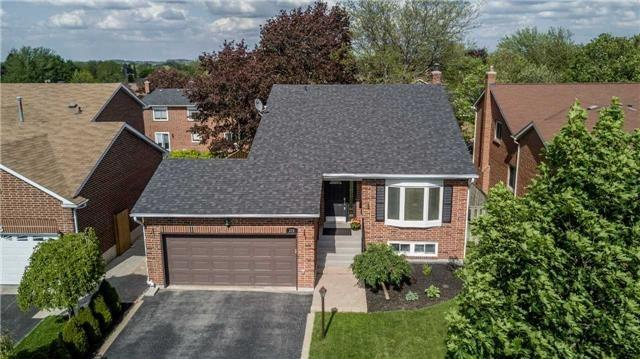 Detached at 209 Sheffield St, Newmarket, Ontario. Image 11