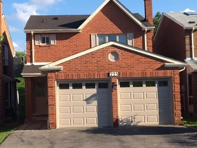 Detached at 225 Mullen Dr, Vaughan, Ontario. Image 1