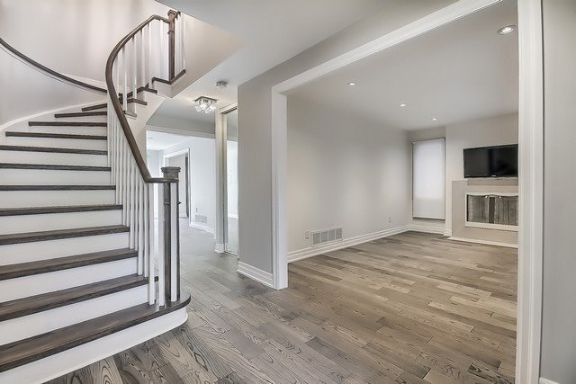 Detached at 225 Mullen Dr, Vaughan, Ontario. Image 15