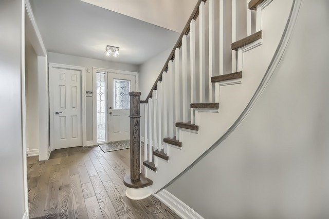 Detached at 225 Mullen Dr, Vaughan, Ontario. Image 16