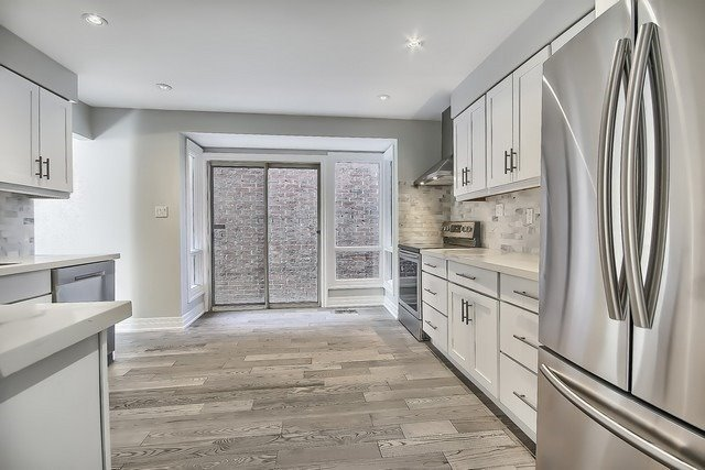 Detached at 225 Mullen Dr, Vaughan, Ontario. Image 18