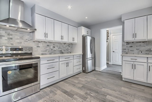 Detached at 225 Mullen Dr, Vaughan, Ontario. Image 19