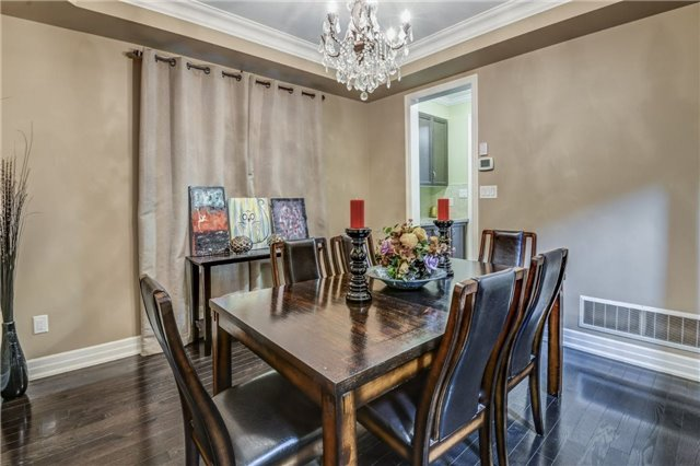Townhouse at 45 Spring Hill Dr, King, Ontario. Image 13