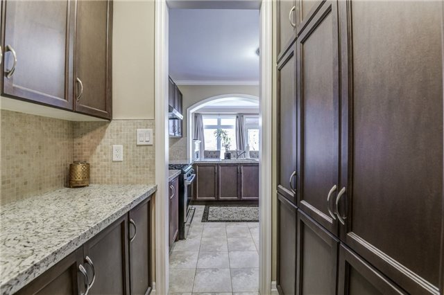 Townhouse at 45 Spring Hill Dr, King, Ontario. Image 15