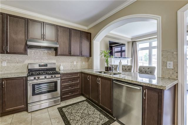 Townhouse at 45 Spring Hill Dr, King, Ontario. Image 16