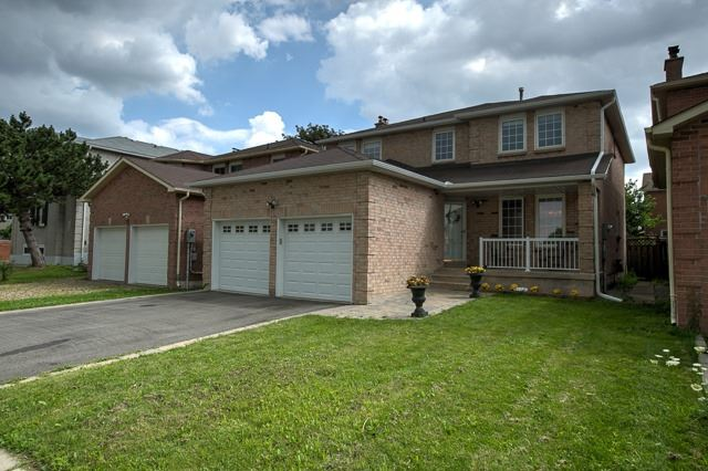 Detached at 15 Coulter's Mill Gate, Vaughan, Ontario. Image 1