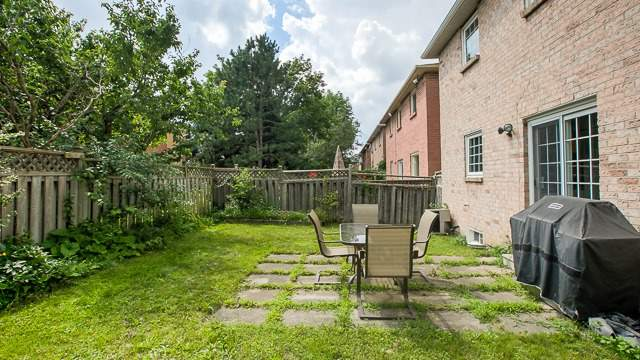 Detached at 15 Coulter's Mill Gate, Vaughan, Ontario. Image 13
