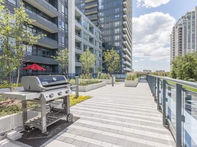 Condo Apartment at 7890 Bathurst St, Unit 1907, Vaughan, Ontario. Image 4
