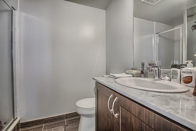 Condo Apartment at 370 Highway 7 Ave E, Unit 621, Richmond Hill, Ontario. Image 5