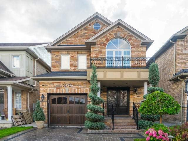 Detached at 370 Ravineview Dr, Vaughan, Ontario. Image 1