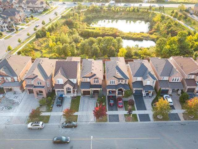 Detached at 370 Ravineview Dr, Vaughan, Ontario. Image 12