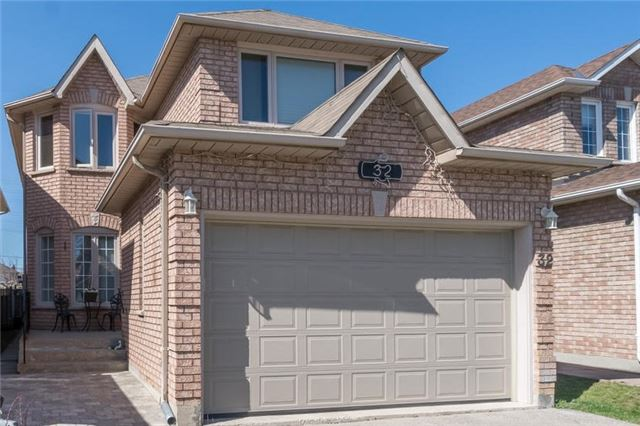Detached at 32 Richbell St, Vaughan, Ontario. Image 1