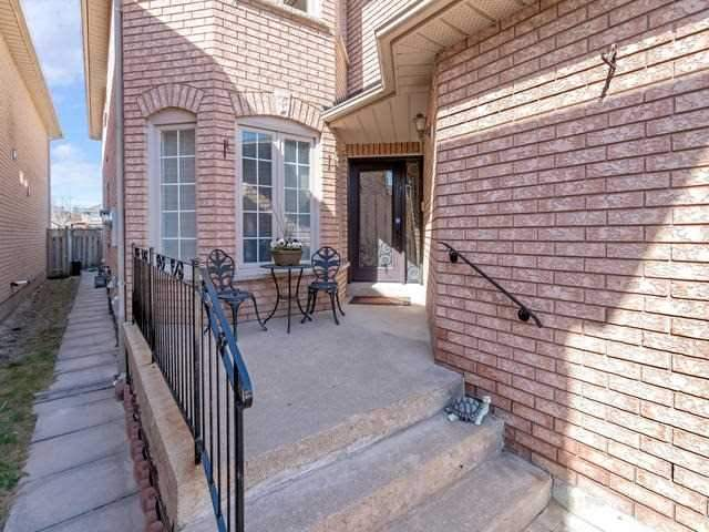 Detached at 32 Richbell St, Vaughan, Ontario. Image 12