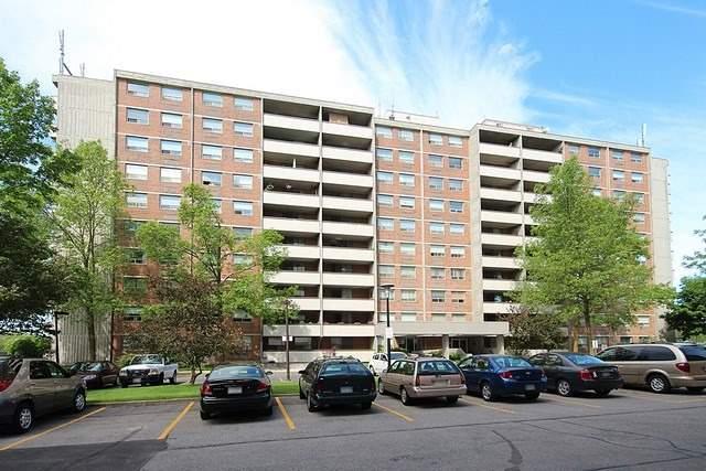 Condo Apartment at 20 William Roe Blvd, Unit 402, Newmarket, Ontario. Image 1