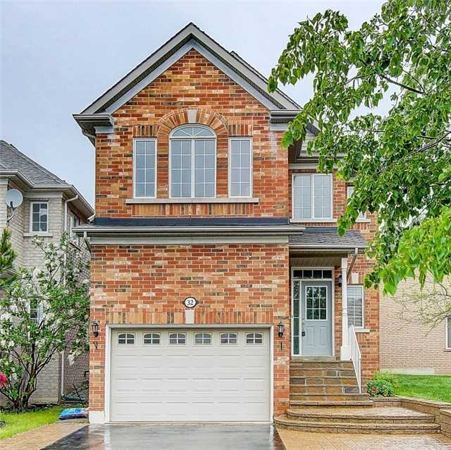 Detached at 32 Rushingbrook Dr, Richmond Hill, Ontario. Image 1