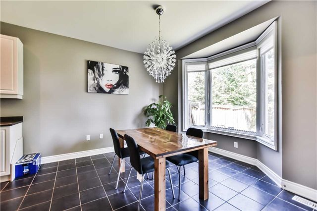 Townhouse at 51 Crows Nest Way, Whitchurch-Stouffville, Ontario. Image 5