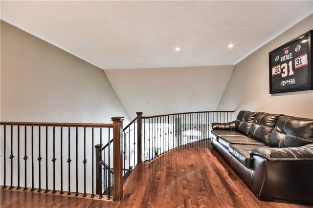 Townhouse at 51 Crows Nest Way, Whitchurch-Stouffville, Ontario. Image 6
