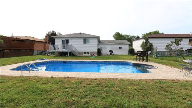 Detached at 2142 Southview Ave, Innisfil, Ontario. Image 10