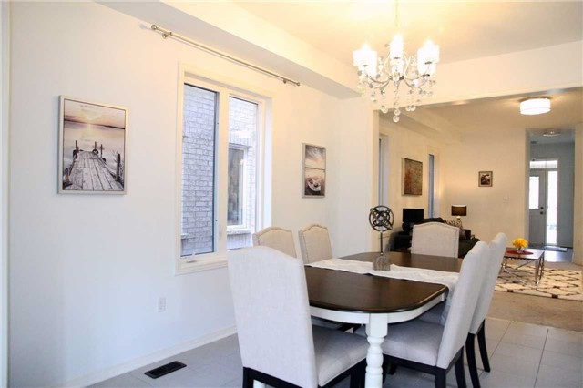 Semi-detached at 1286 Blencowe Cres, Newmarket, Ontario. Image 12