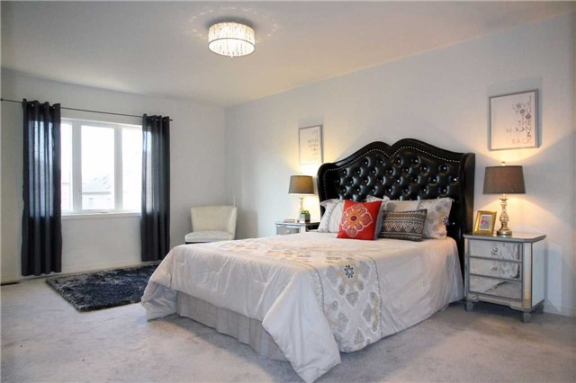 Semi-detached at 1286 Blencowe Cres, Newmarket, Ontario. Image 14