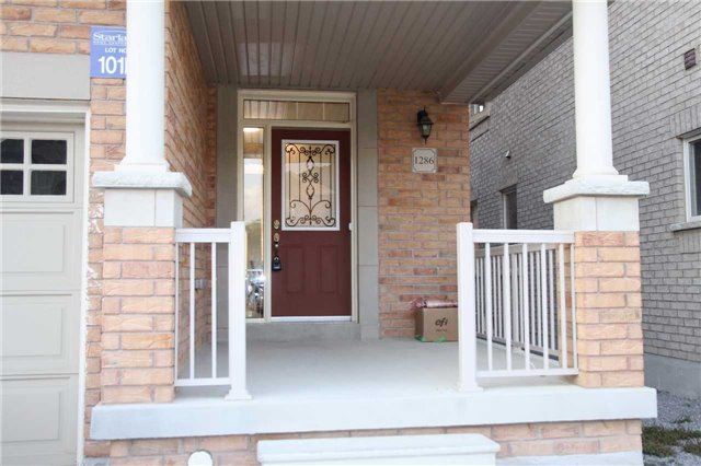 Semi-detached at 1286 Blencowe Cres, Newmarket, Ontario. Image 6