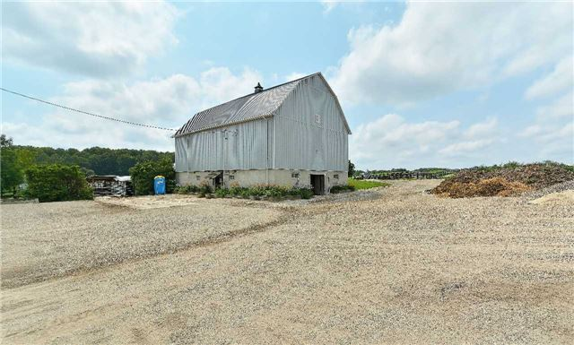 Detached at 17130 12th Concession, King, Ontario. Image 15