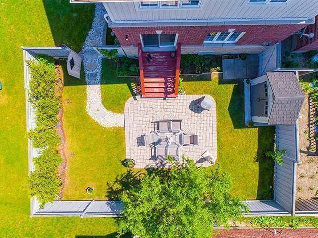 Townhouse at 12 Birdsong St, Richmond Hill, Ontario. Image 9