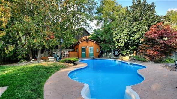 Detached at 18 Tannery Crt, Richmond Hill, Ontario. Image 14