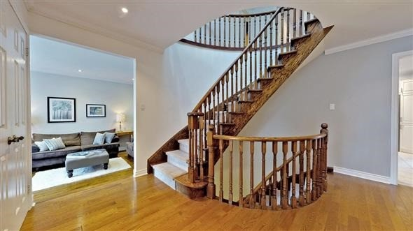 Detached at 18 Tannery Crt, Richmond Hill, Ontario. Image 18