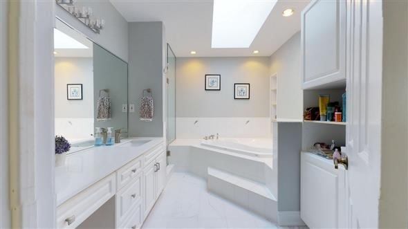 Detached at 18 Tannery Crt, Richmond Hill, Ontario. Image 10