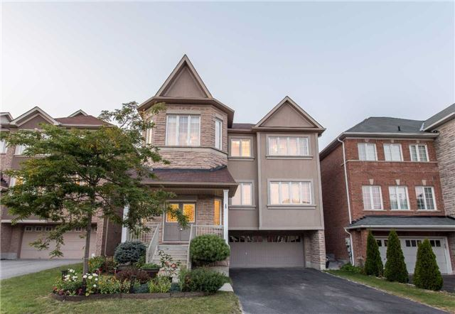 Detached at 242 Ray Snow Blvd, Newmarket, Ontario. Image 1