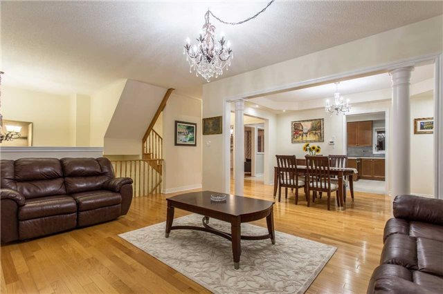 Detached at 242 Ray Snow Blvd, Newmarket, Ontario. Image 11