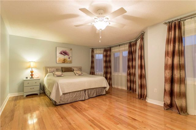 Detached at 242 Ray Snow Blvd, Newmarket, Ontario. Image 2