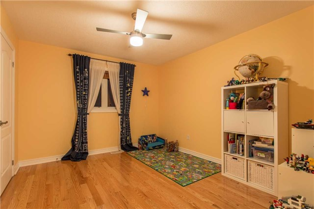Detached at 242 Ray Snow Blvd, Newmarket, Ontario. Image 8