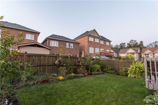 Detached at 242 Ray Snow Blvd, Newmarket, Ontario. Image 10