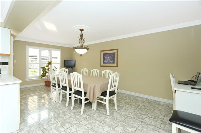 Detached at 15 Galloway Dr, Vaughan, Ontario. Image 12