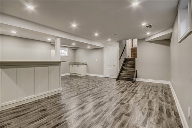 Detached at 99 Parkway Ave, Markham, Ontario. Image 7