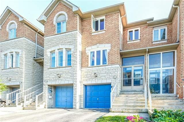 Townhouse at 102 Coburg Cres, Richmond Hill, Ontario. Image 1