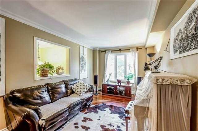 Townhouse at 102 Coburg Cres, Richmond Hill, Ontario. Image 15