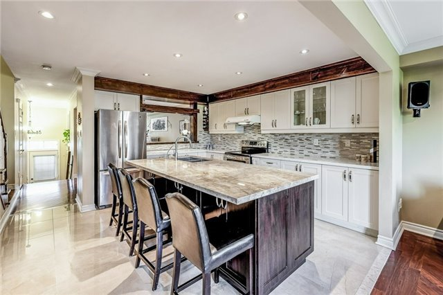 Townhouse at 102 Coburg Cres, Richmond Hill, Ontario. Image 16