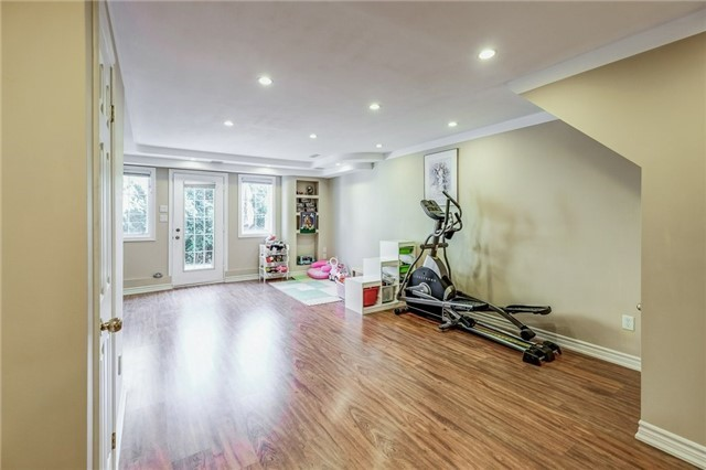 Townhouse at 102 Coburg Cres, Richmond Hill, Ontario. Image 7