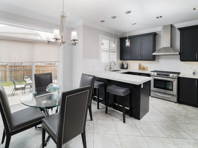 Detached at 94 Fairlee Circ, Whitchurch-Stouffville, Ontario. Image 19