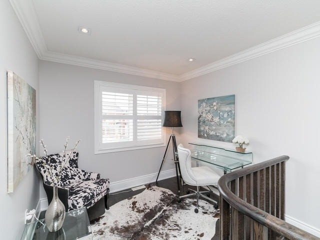 Detached at 94 Fairlee Circ, Whitchurch-Stouffville, Ontario. Image 3