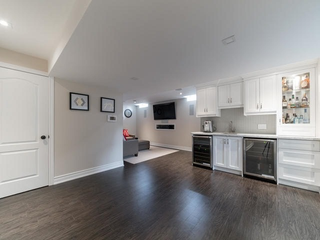 Detached at 94 Fairlee Circ, Whitchurch-Stouffville, Ontario. Image 10